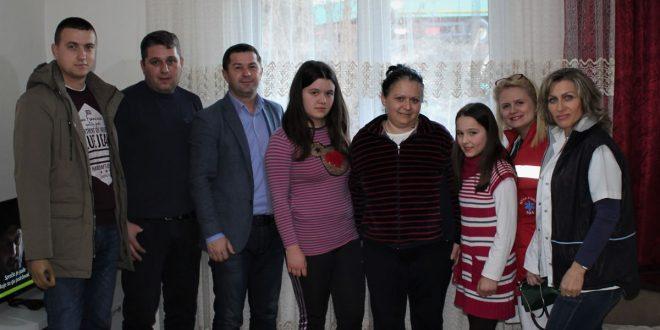 obilazak ugrozenih porodica leposavic